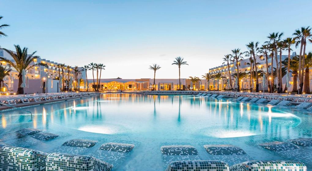 Grand Palladium Palace Ibiza y Grand Palladium White Island Resort & Spa
